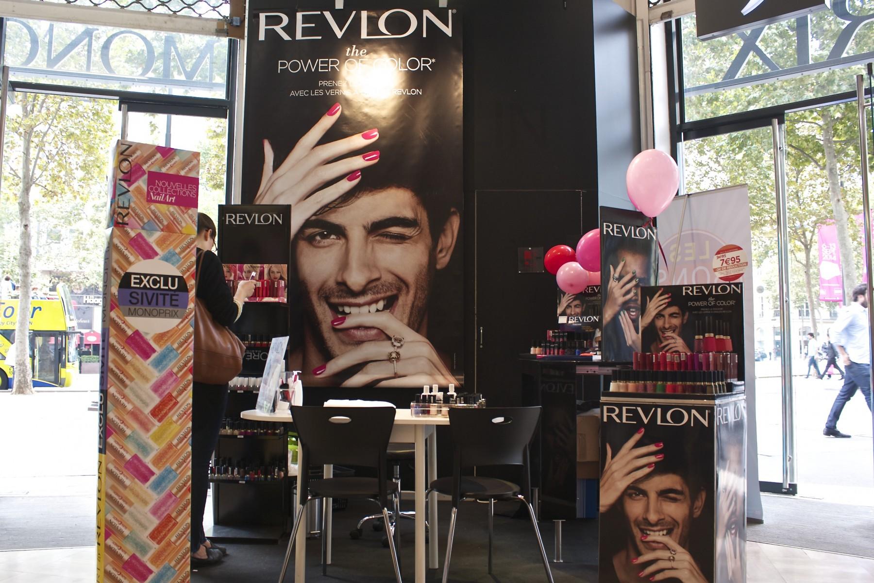 REVLON Triange Champs-Elysées 2